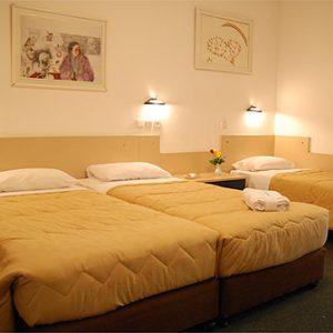 חדרים1