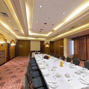 חדר אוכל2