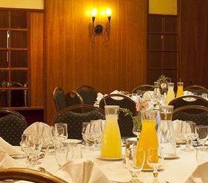 חדר אוכל1
